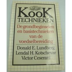 LUNDBERG/KOTSCHEVAR kook technieken - de grondbeginselen en basistechnieken van de voedselbereiding 1987